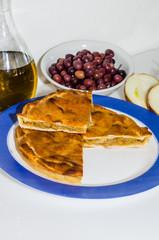 tiella pomodoro formaggio fresco cipolle e olive