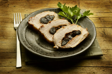 Vitello ripieno alle prugne Veal stuffed with prunes