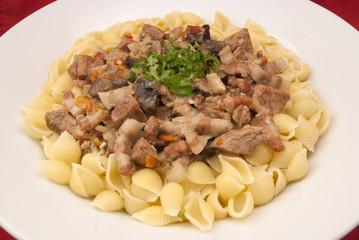 Ragout mit Obazter-Sauce und Pasta