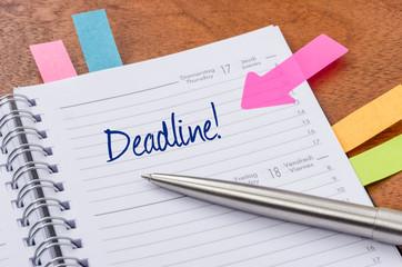 Terminkalender mit Hinweissticker - Deadline