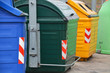 Leinwanddruck Bild - contenedores para el reciclaje en la calle