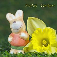 Osterhase mit Osterglocke