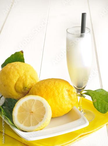 Leinwandbild Motiv Sorbetto al limone