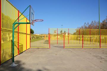 cancha de baloncesto urbana