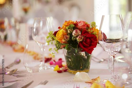 Leinwanddruck Bild festlich dekorierter tisch bei einer hochzeit