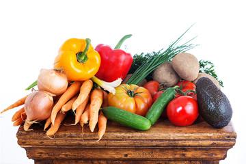 Gemüseberg vor weiss
