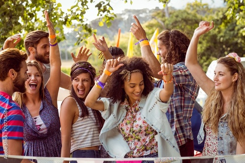 canvas print picture Happy hipsters dancing to the music