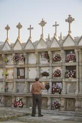 Cementerio de la parroquia de Traba