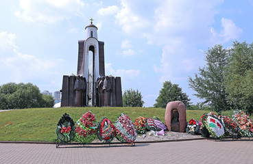 Sons of the Motherland monument, who died outside, dedicated sol