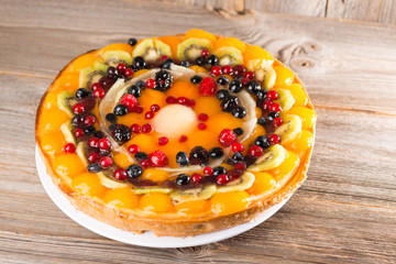 Fruchtige Käse-Obst Torte