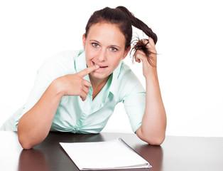 Frau ist im Prüfungsstress
