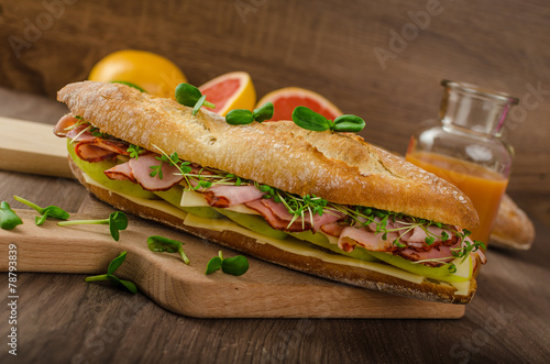 Papiers peints Snack Rustic baguettes with smoked rump