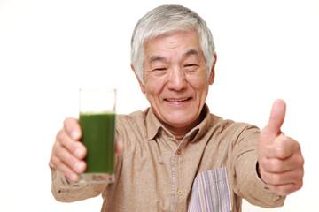 青汁のおかけで調子の良い高齢者