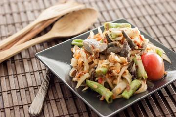 Thai spicy papaya salad somtam