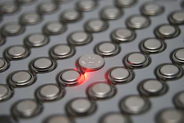 ボタン型電池