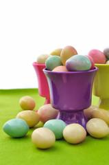 œufs dans coquetiers