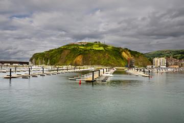 Puerto deportivo en Laredo. Cantabria