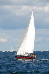 Segelboot auf dem Meer - 387