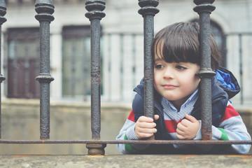 niño esperando
