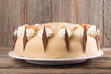 Mohn-Amaretto-Kirsch-Torte