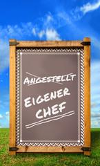 Strassenschild 34 - Eigener Chef