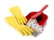 Gelbe Gummihandschuhe mit Kehrblech und Euro-Geldscheinen - 78834458