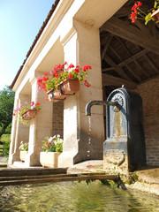 lavoir et fontaine de village