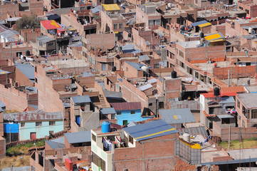 Houses on the streets of the Puno at day time.