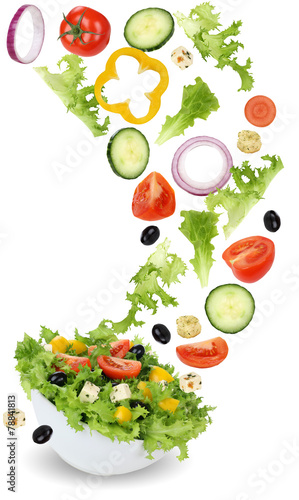 Fotobehang Salade Gesund vegetarisch Essen Salat mit Tomate, Gurke, Zwiebel und Pa