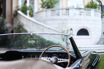 Oldtimer grüner Roadster