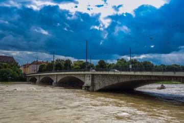 Isar in München bei Hochwasser