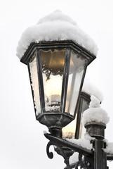 la neve sopra il lampione