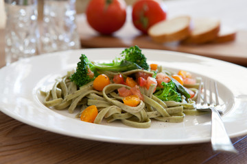 Spinach Fettucine with Vegetables