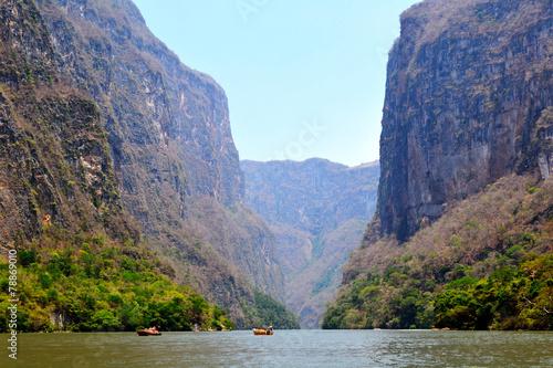 In de dag Canyon Cañón del Sumidero
