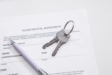Room rental agreement、Key, pen