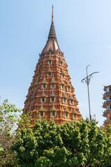 ワット・タム・スアの巨大仏塔 クローズアップ
