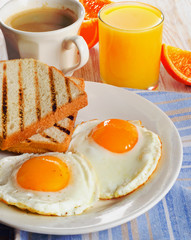 Eggs  and bacon for healthy breakfast .