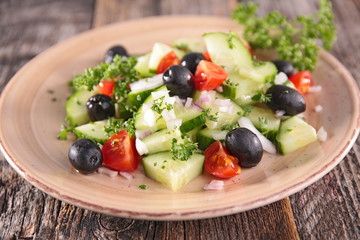 cucumber salad with tomato and tomato