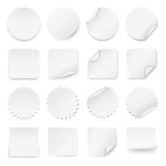 Set of blank labels with rounded corners in different shapes.