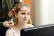 Leinwandbild Motiv Neurofeedback bei Ergotherapie