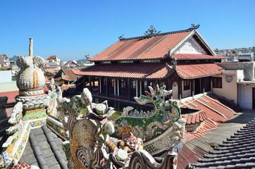 Постройки в пагоде Линь Фуок (Linh Phuoc) в Далате, Вьетнам