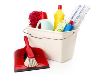 Reinigungsmittel, Putzeimer und Handfeger mit Schaufel