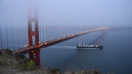Golden Gate Bridge covered in Evening Fog - Time Lapse