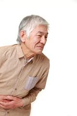 お腹が痛い高齢者