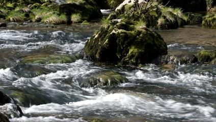 Acqua e pietre