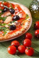 pizza con rucola e funghi