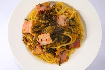 ベーコンと高菜の和風ペペロンチーノ