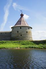 Башня Головина солнечным летним днем. Крепость Орешек