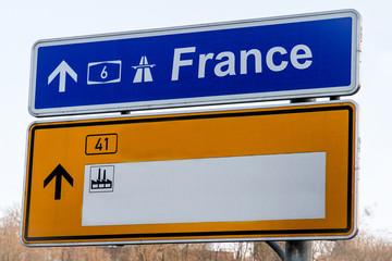 Panneau autouroute France a compléter