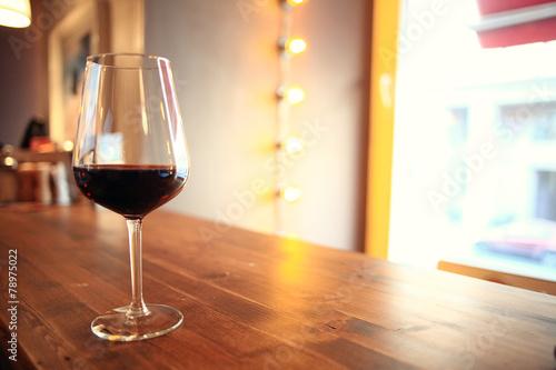 Leinwanddruck Bild glass with red wine, tasting, restaurant